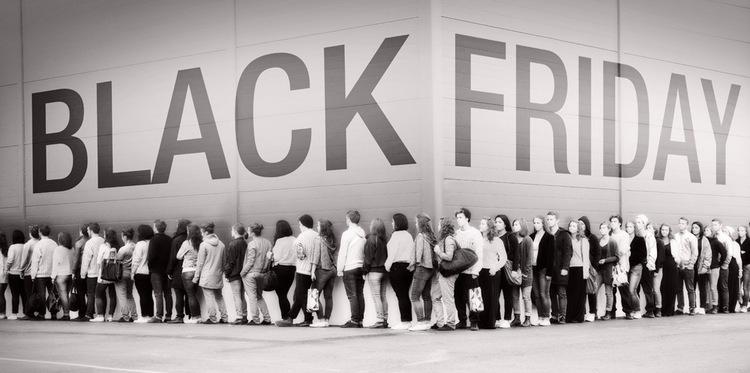 Black-Friday-Line 2